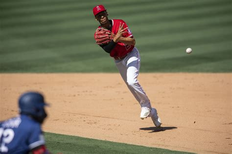Breaking News: Twins Signing Andrelton Simmons-Minnesota